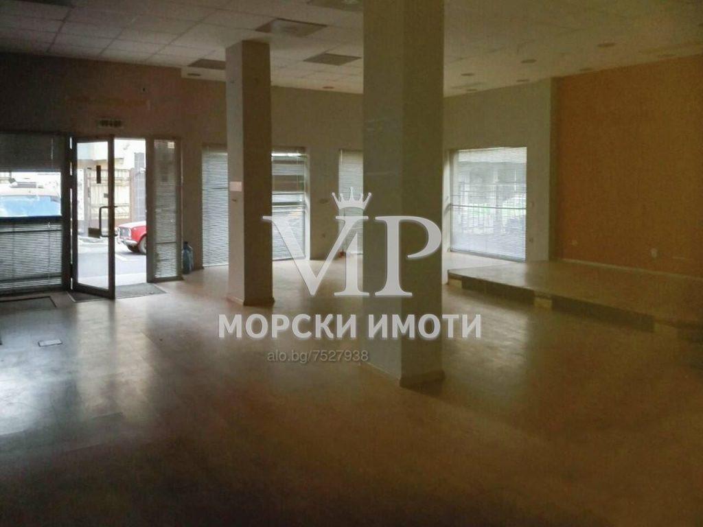 Отдава под наем просторен офис в Идеален център на гр. Бургас - 1 - Ricom Bulgaria